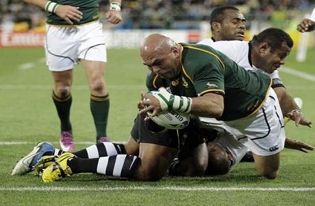Sudáfrica logra un cómodo triunfo ante Fiyi