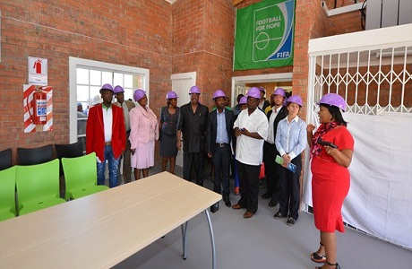 Inauguran un nuevo centro juvenil en Sudáfrica